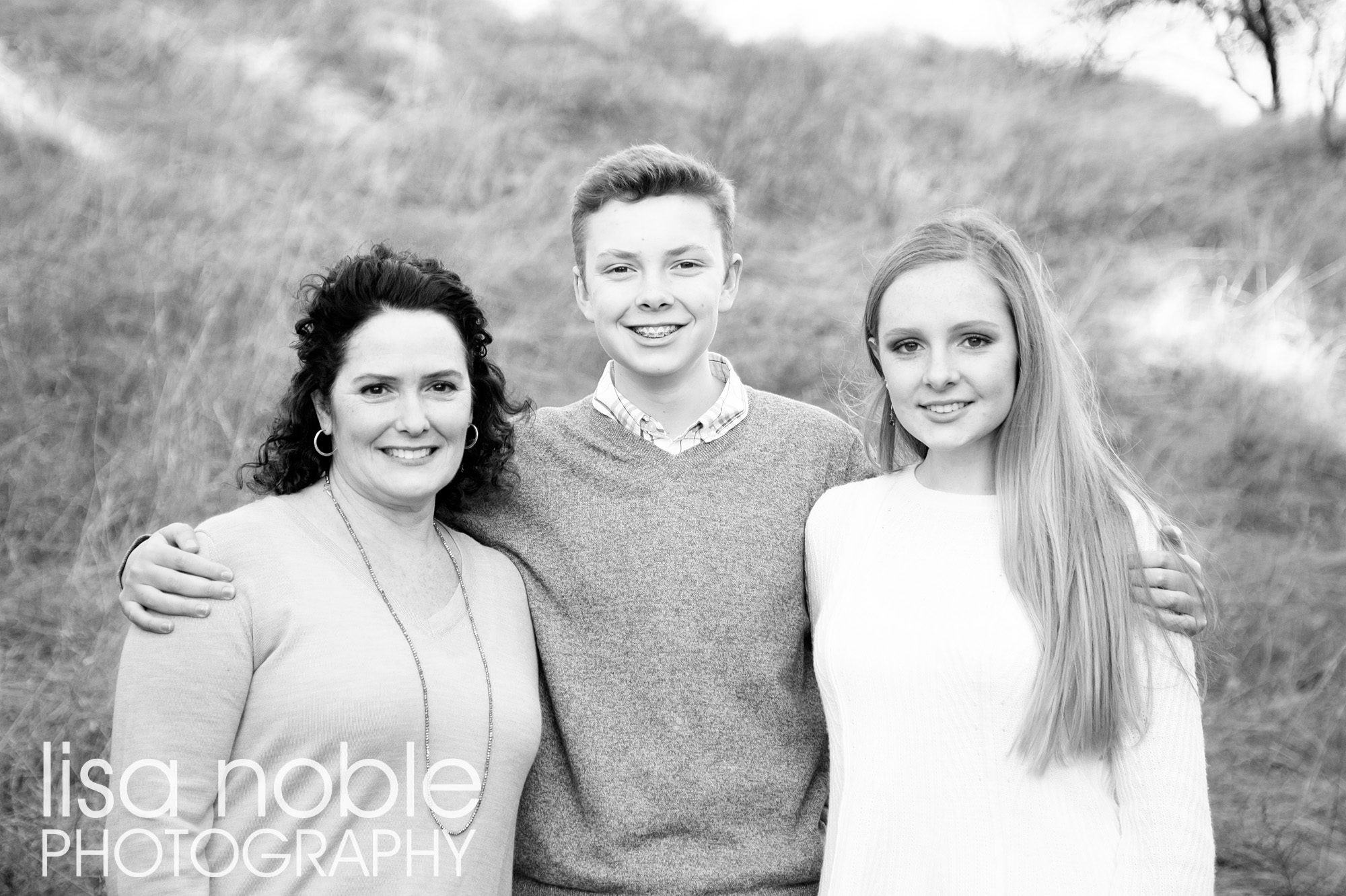 Family Photography in the California Hills [by professional